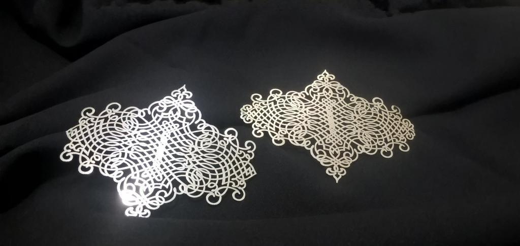 Декоративный элемент из серебра, изготовленный по технологии FunChrome 2D Plating
